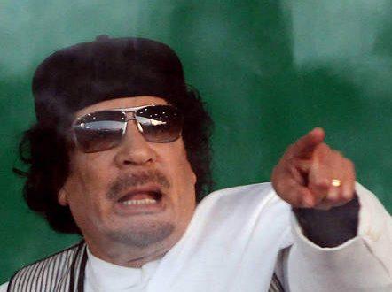 Gheddafi: 'Sarà guerra se attaccano la Libia'