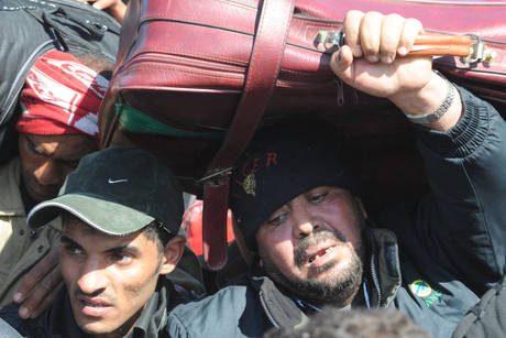 Libia, ancora bombe su terminal Brega
