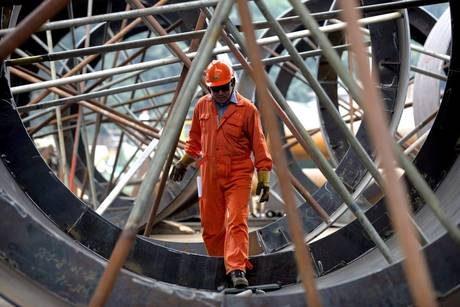 Lavoro, 500mila in cassa integrazione Cgil: nel 2011 -8mila euro a testa