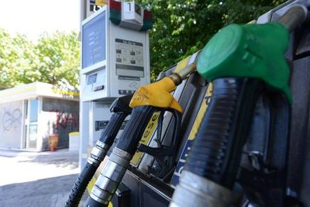 La benzina riprende a correre alla pompa