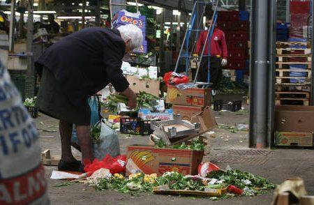 Bankitalia: allarme da 65% famiglie, reddito non basta