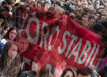 Allarme occupazione: Napolitano, subito misure. Nove milioni in difficoltà