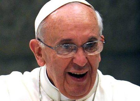 Il Papa: e' vero, in Vaticano c'e' una lobby gay