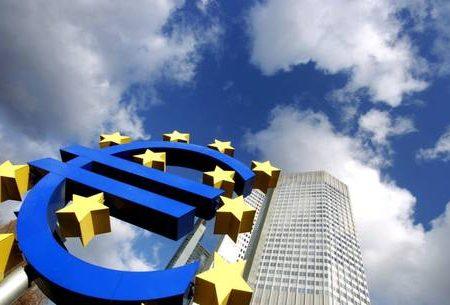 Allarme Bce su Italia, rischi su risanamento