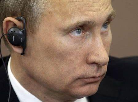 Putin firma la legge contro la 'propaganda gay'
