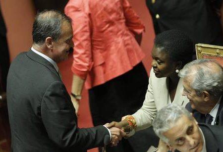 Kyenge, Calderoli: mie dichiarazioni offensive, mi scuso