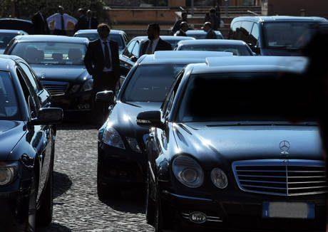 Auto blu: costo 400 mln D'Alia, da irresponsabili