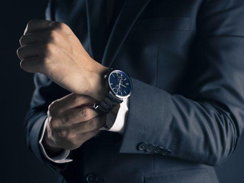 Come completare al meglio il look con l'orologio da polso? Scopriamolo insieme.