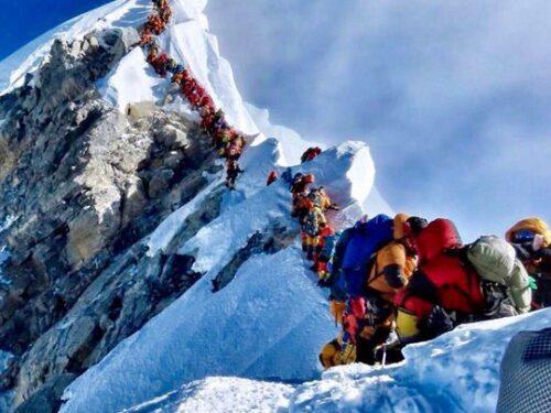 Everest: 100 anni di storia