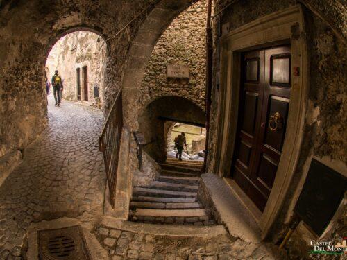 Borghi d'Italia: Castel del Monte, la capitale dei pastori
